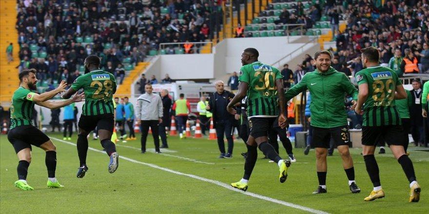Ligin dibinde kupanın finalinde
