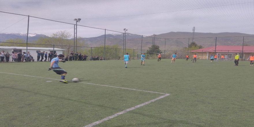 170 Öğrenci Futbol Seçmelerine Katıldı