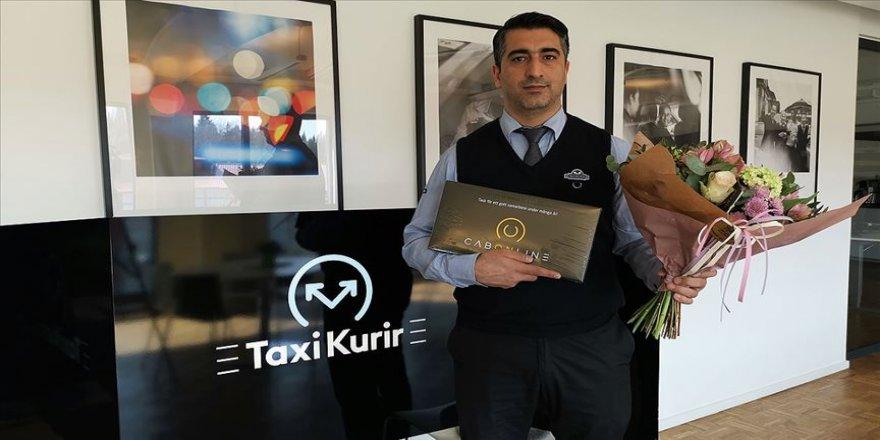Kahraman Türk taksici ödüllendirildi
