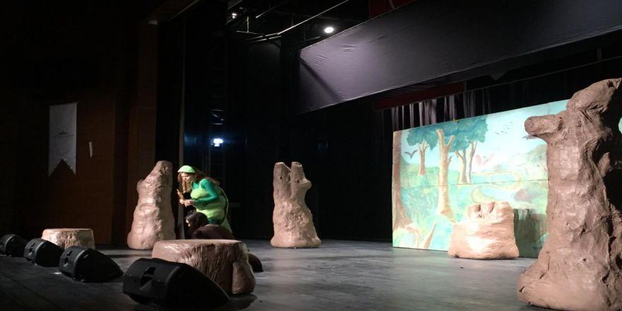 Bosch Çevre Çocuk Tiyatrosu Oyunu, Taşköprülü Çocuklarla Buluştu
