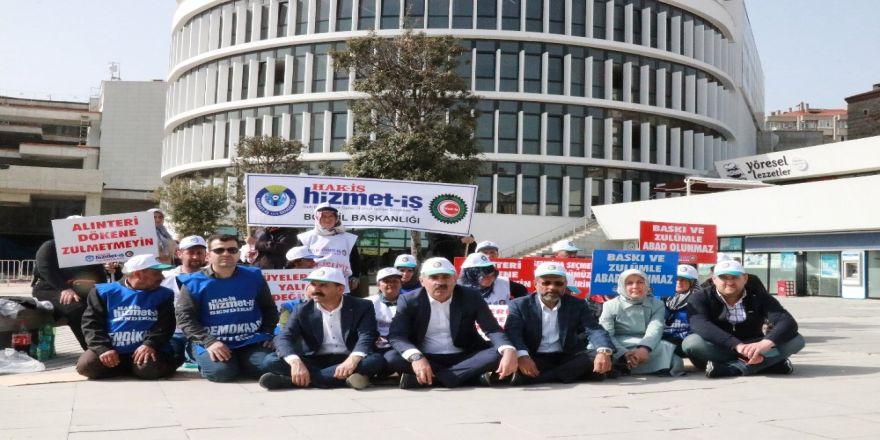 Bolu'da, İşten Çıkarılan Belediye İşçileri 2'inci Günde Eylemlerine Devam Ediyor