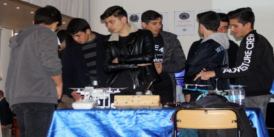 Öğrenciler Kendi Drone'larını Yaptı