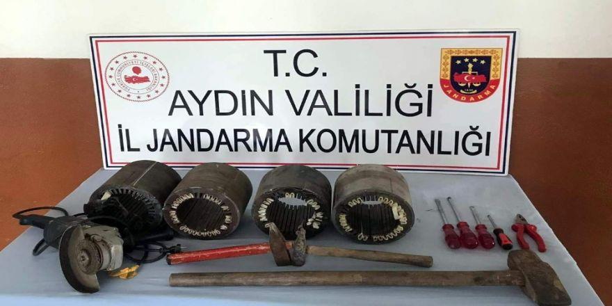 Aydın'ın 5 İlçesinde 20 Hırsızlık Olayına Karışan 4 Şüpheli Jandarmadan Kaçamadı