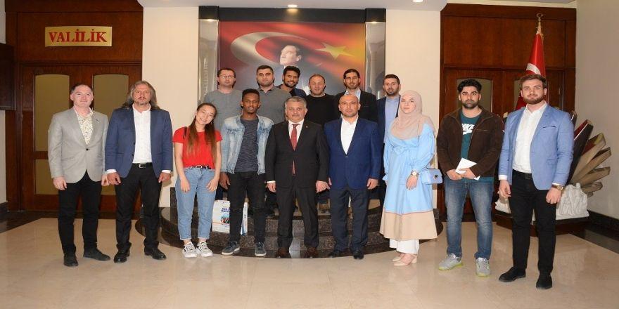Yabancı Öğrencilerden Vali Yazıcı'ya Ziyaret