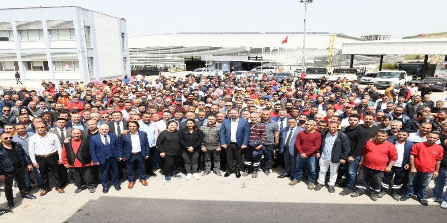 Başkan Gümrükçü, İşçilerle Buluştu