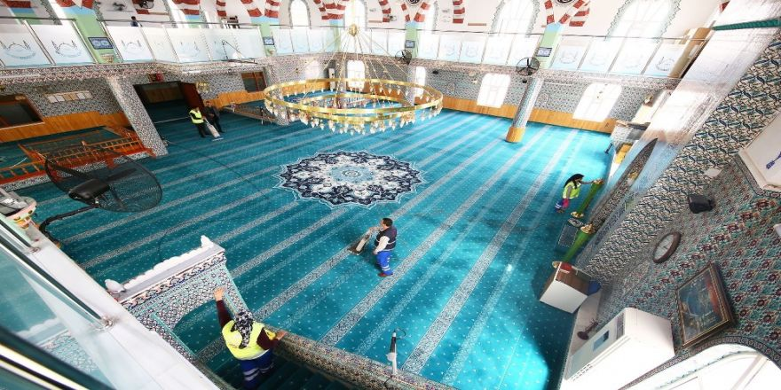 Keçiören'de Camiler Ramazan Ayına Hazırlanıyor