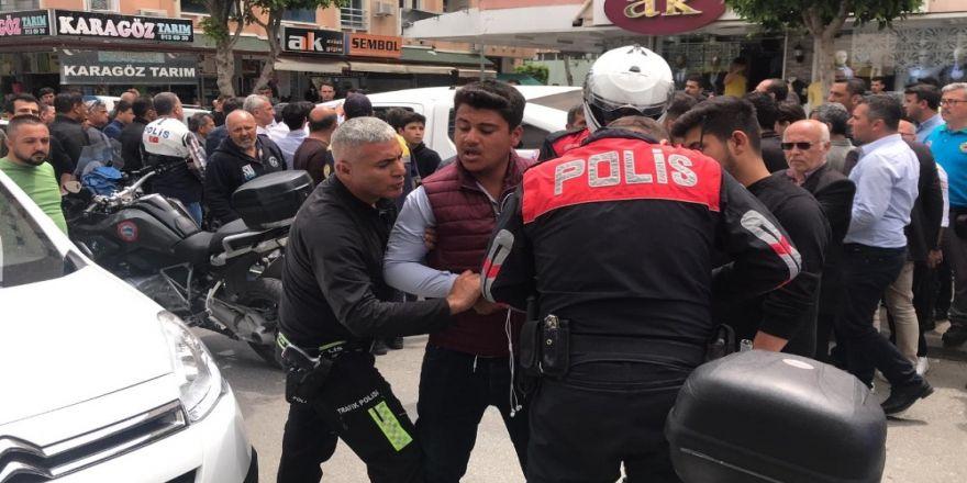"""Alanya'da """"Dur"""" İhtarına Uymayan Motosikletli Polisleri Alarma Geçirdi"""