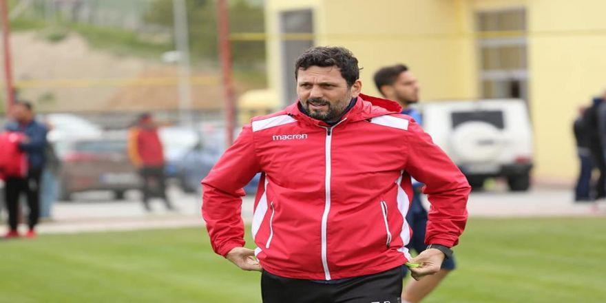 Evkur Yeni Malatyaspor'da Yönetim Teknik Heyetin Durumunu Görüştü