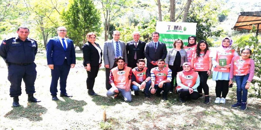 Kozan'da Genç Tema Ekibi Görev Başında