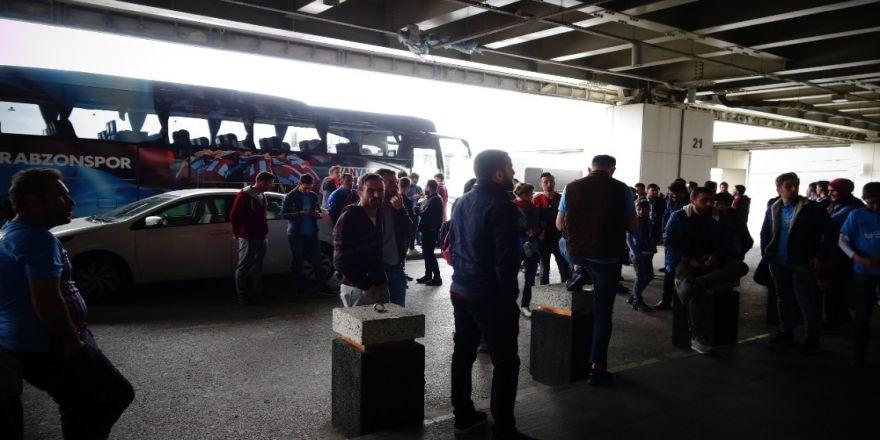 Trabzonspor'a İstanbul'da Coşkulu Karşılama