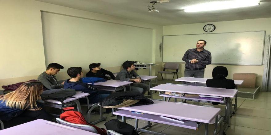 Öğrencilere Düzce Üniversitesi'nin Nüfus Ve Vatandaşlık Programı Tanıtıldı