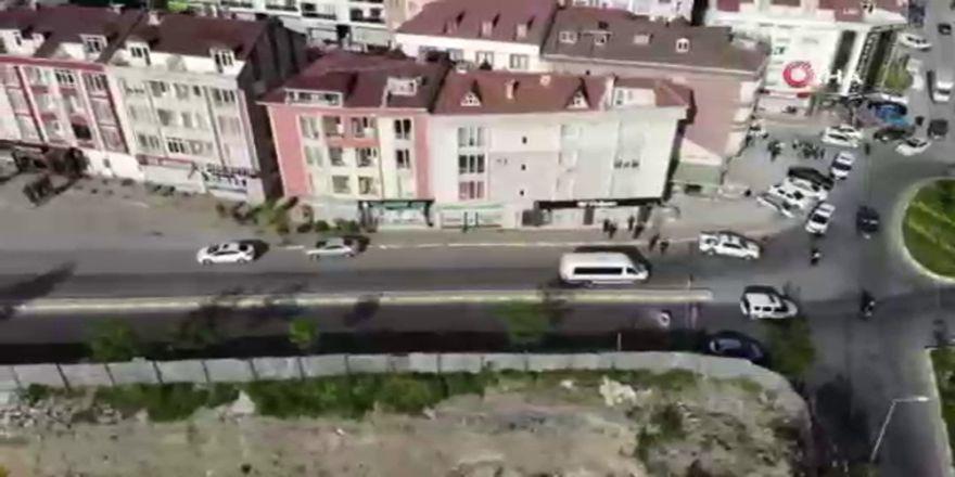 Çatlakların Oluştuğu Bina Ve Yollar Havadan Görüntülendi
