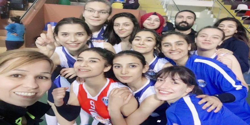 Kayseri Osb Teknik Koleji Atletikspor Genç Kızlarda Yarı Finale Yükseldi