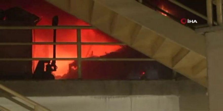 Perpa Ticaret Merkezinde Yangın