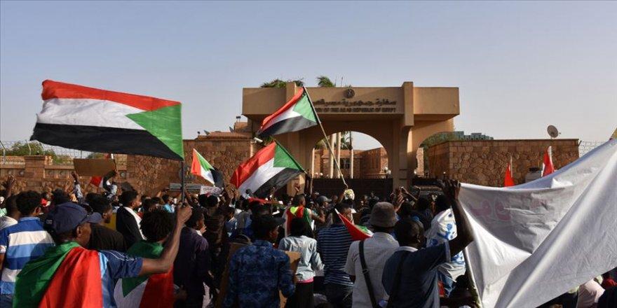 Sudan'da Sisi karşıtı eylemler sürüyor
