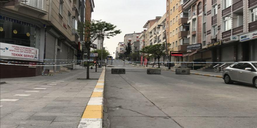 Çökmenin yaşandığı mahallede bekleyiş sürüyor