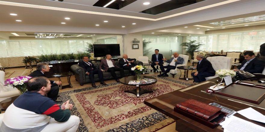 Gimat yönetiminden Yaşar'a hayırlı olsun ziyareti
