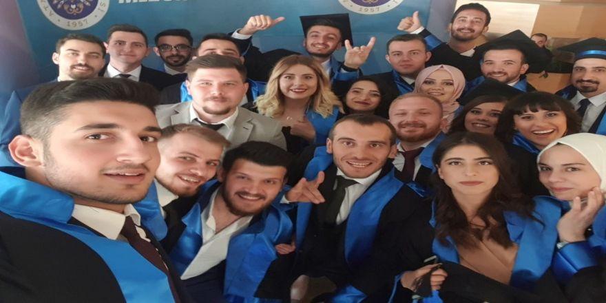 İletişim Fakültesi 2018-2019 dönem mezunlarını verdi