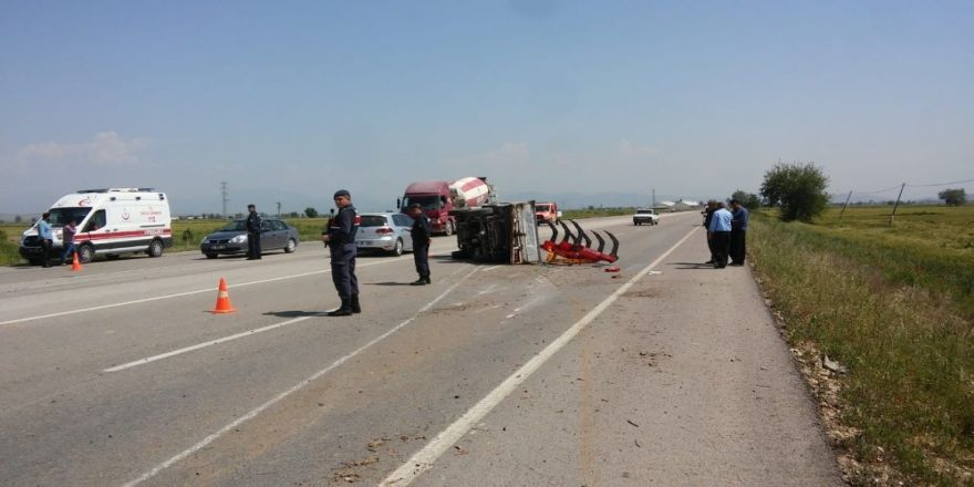 Adana'da Trafik Kazası: 6 Yaralı