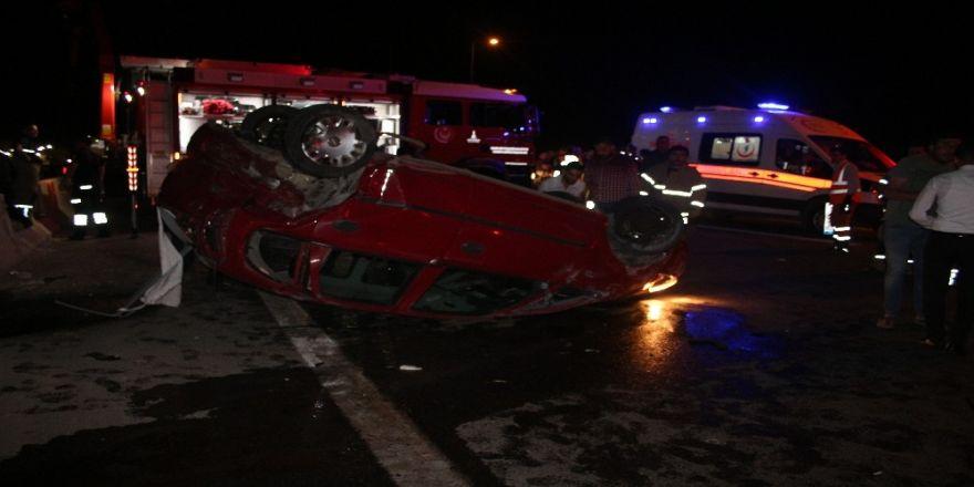 Zincirleme kazada 1 sürücü viyadükten aşağı düştü