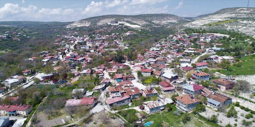 """Türkiye'nin En Yaşlı İlçesi Ağın, """"Sakin Şehir"""" Olma Yolunda"""