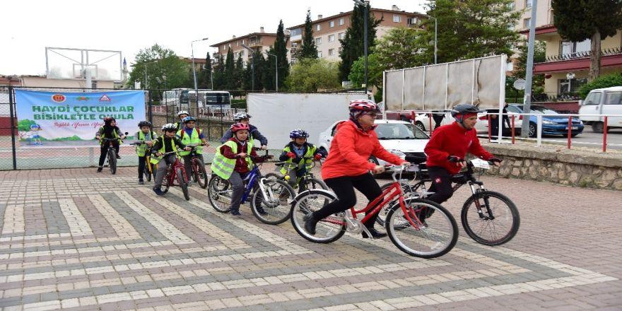 Bilecikli Öğrenciler Okula Bisikletle Gitti