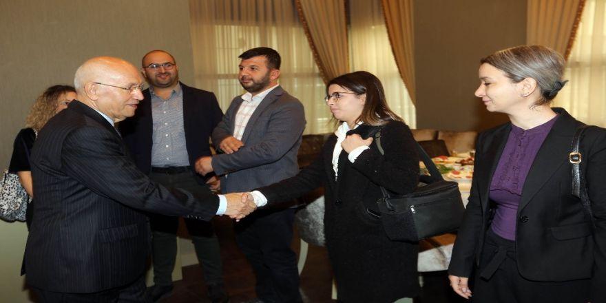 """Yaşar: """"Belediyelerin Uçuk Projelere Harcayacak Bir Kuruşu Yok"""""""