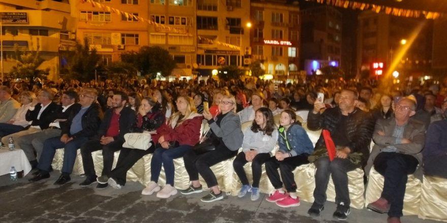 Sırbistan, Romanya Ve Bosna Hersek Ekipleri Burhaniye'de Gösteri Yaptı