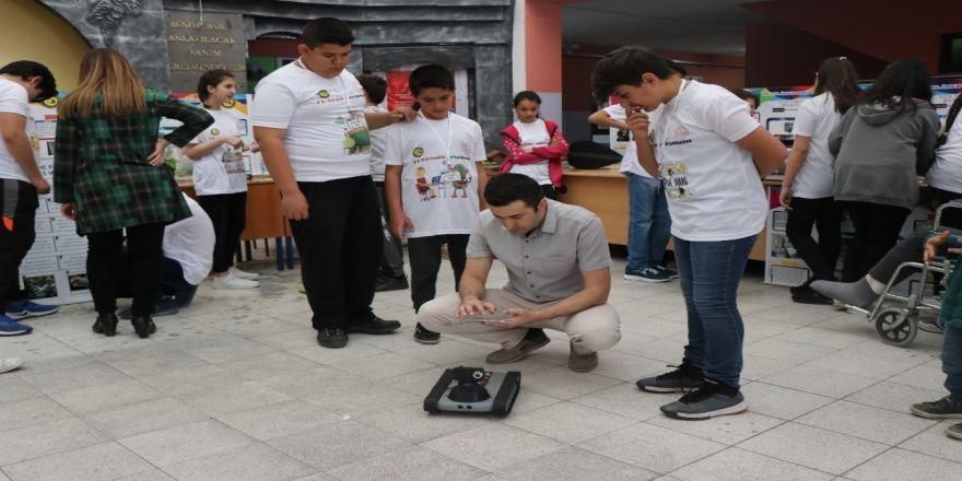 Öğrenciler Projelerini Tübitak Sergisi'nde Tanıttı