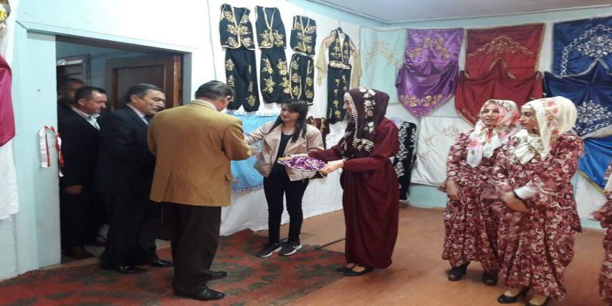 Köyde Dikiş Nakış Sergisi Açıldı