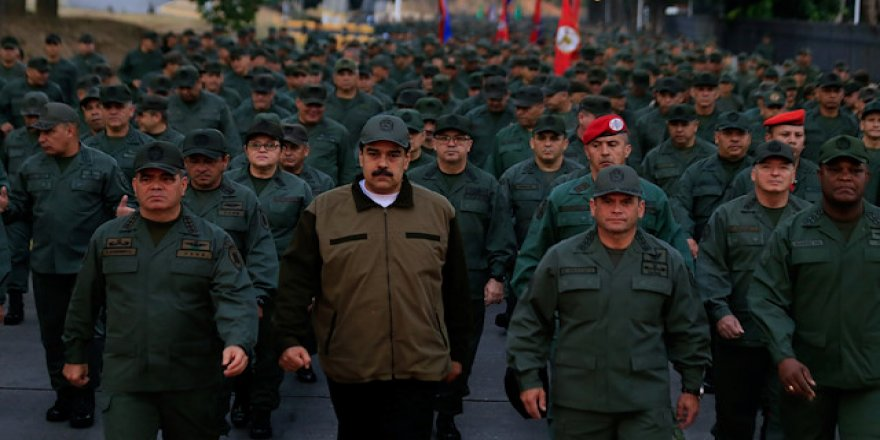 Maduro'dan gövde gösterisi