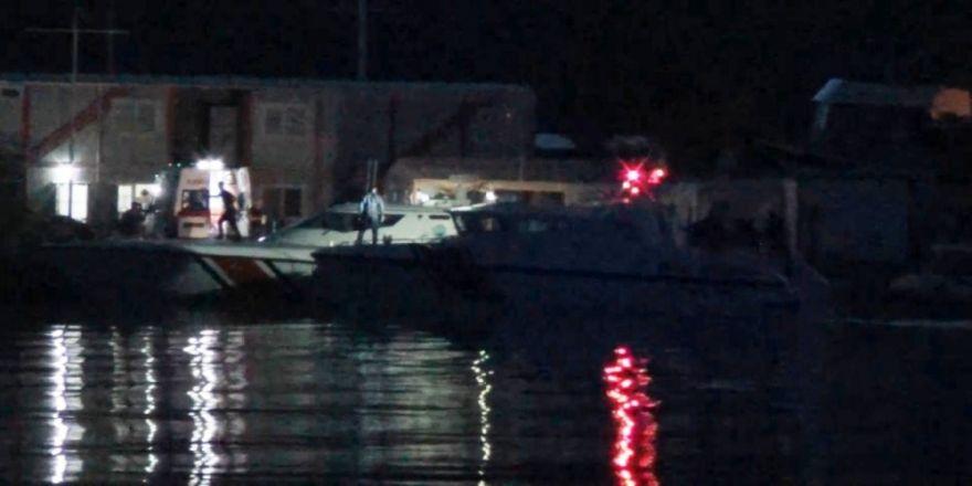 Tekne faciasında kayıp olan 3 kişi için hummalı çalışma sürüyor