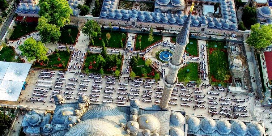 Camilerde her gün iftar verilecek