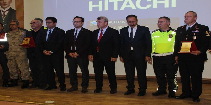 """Elazığ'da """"Karayolu Güvenliği Ve Trafik Haftası"""" Etkinlikleri"""