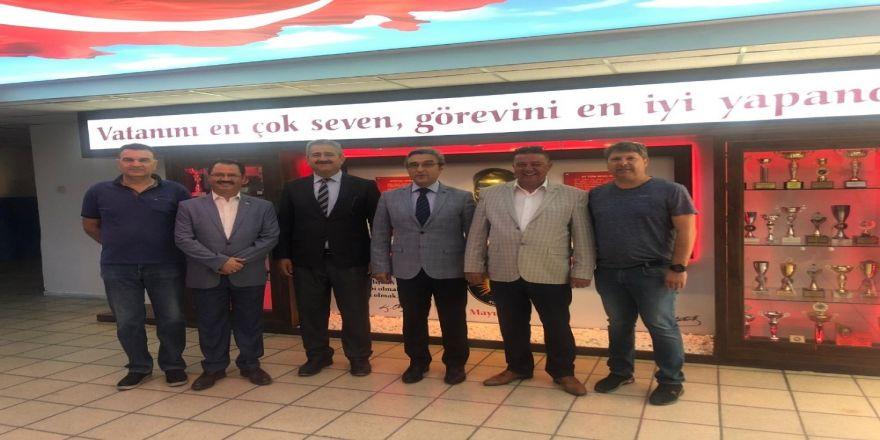 Kuşadası Esnaf Odası'nın Desteğiyle Lisede Atatürk Köşesi Açıldı