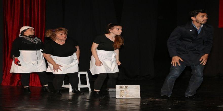 Asmek Kursiyerleri Tiyatro Sahnesinde