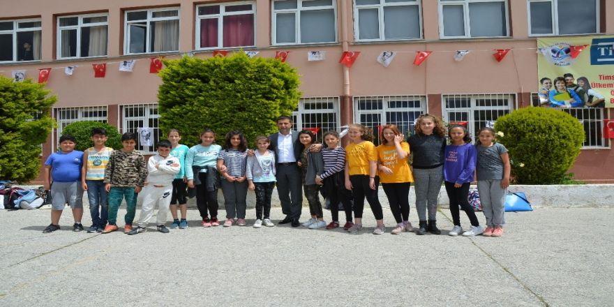 Günel, Soğucak Ortaokulu'nu Ziyaret Etti