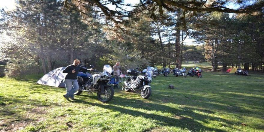 Motosiklet Tutkunları Gölcük Yaylasında Buluştu