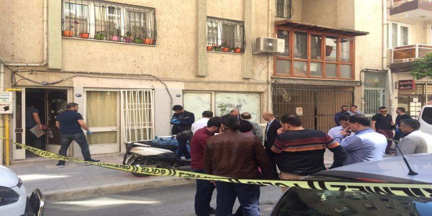 İzmir'de Su Dağıtımı Yapan 2 Genç Ölü Bulundu