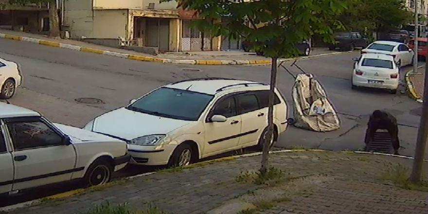 Beylikdüzü'nde Rögar Kapağı Hırsızları Kamerada