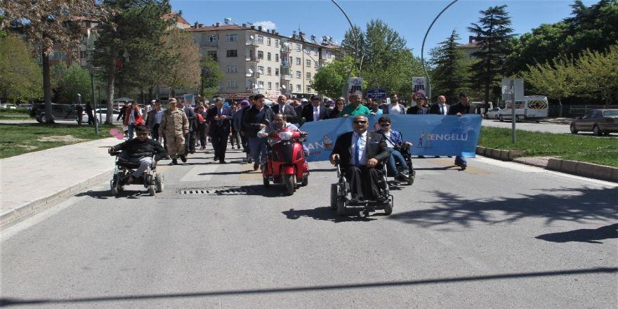 Engelliler Farkındalık İçin Yürüdü, Halk Oyunları Oynadı