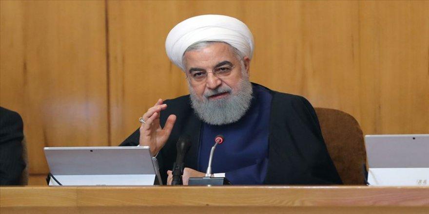 Ruhani: Düşmanların İran'a yönelik baskıları tam bir savaştır