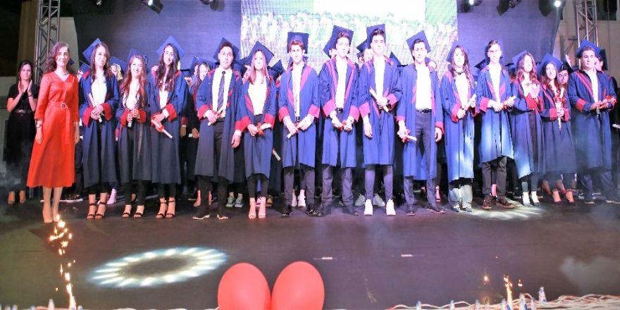 Envarlı öğrenciler mezun oldu
