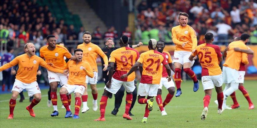 Galatasaray'da çifte kupa hesapları