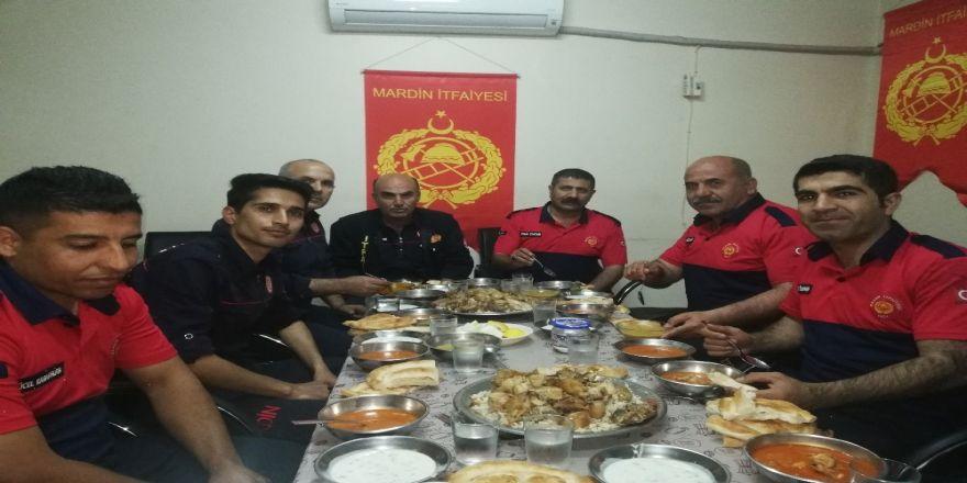 İtfaiye erlerinin zorlu Ramazan mesaisi