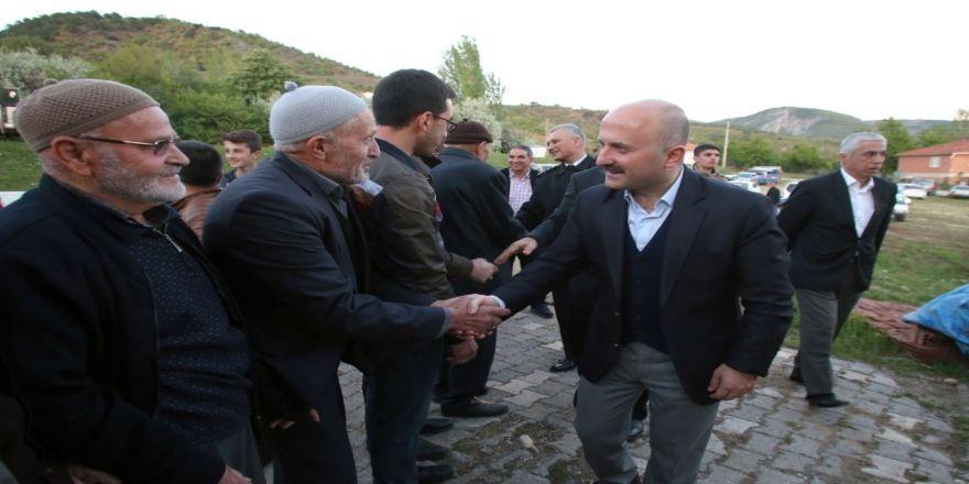 Vali Varol, Boyalı köyünde vatandaşlarla iftar yaptı