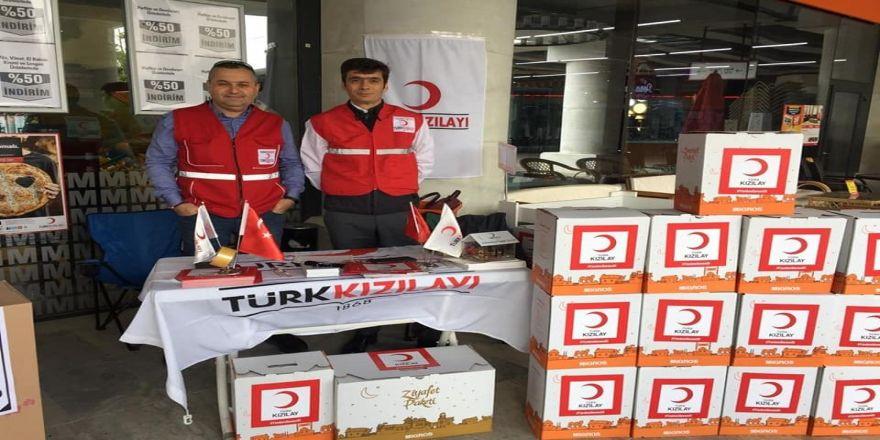 Türk Kızılayı fitre ve zekat bağışları için stant açtı