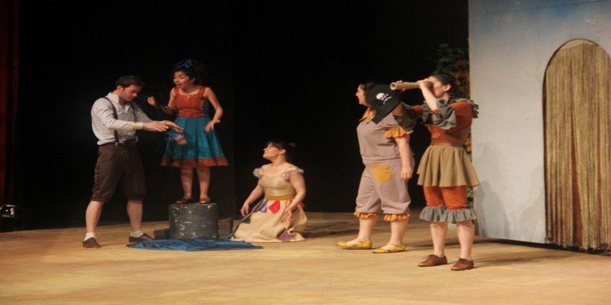 'Sihirli Kitap' çocuk oyunu