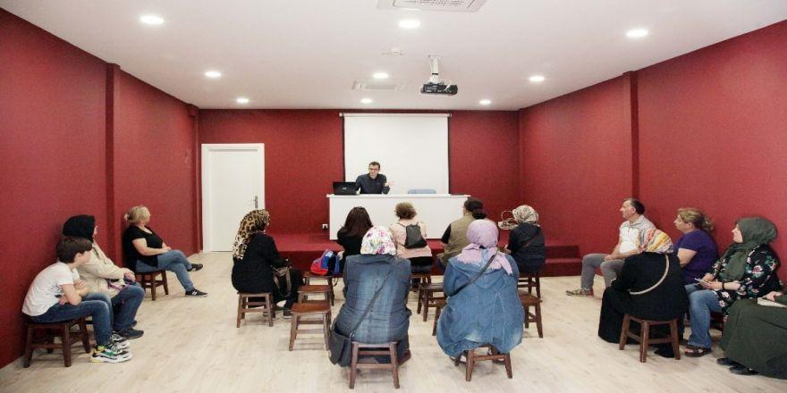 Teknoloji bağımlılığı semineri düzenlendi