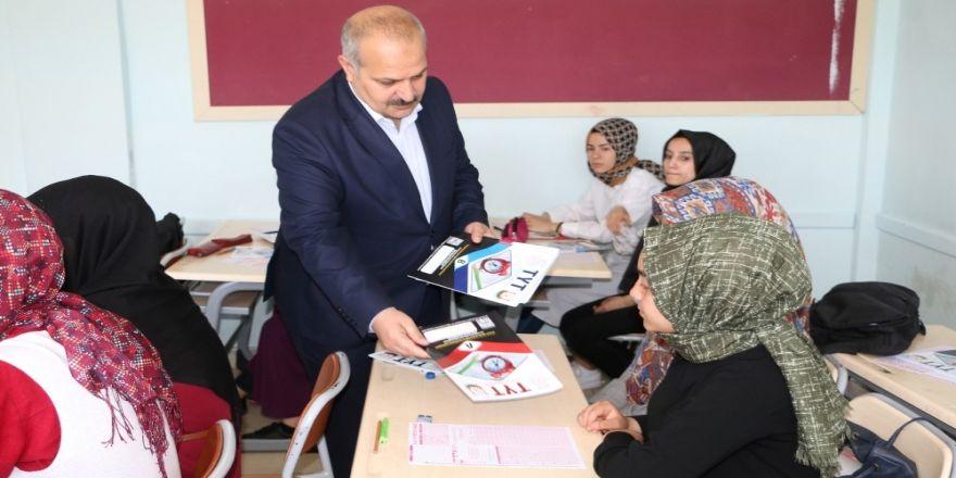 Şanlıurfa'da Öğrencilere Deneme Sınavı Yapıldı